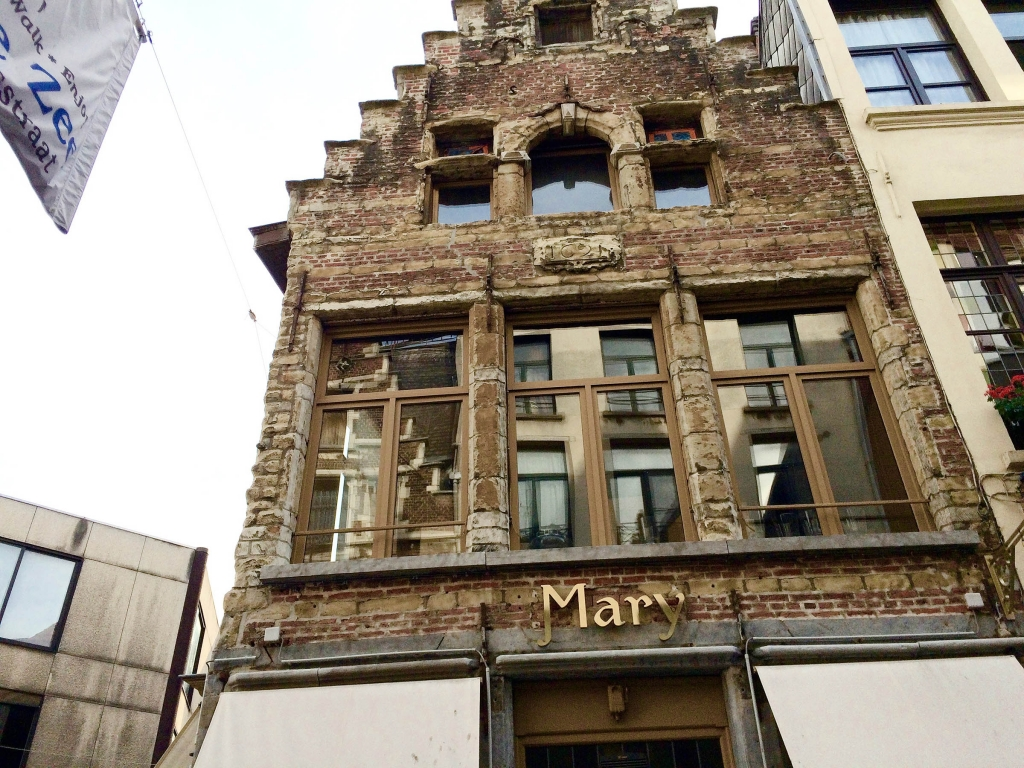 typography-antwerp-mary