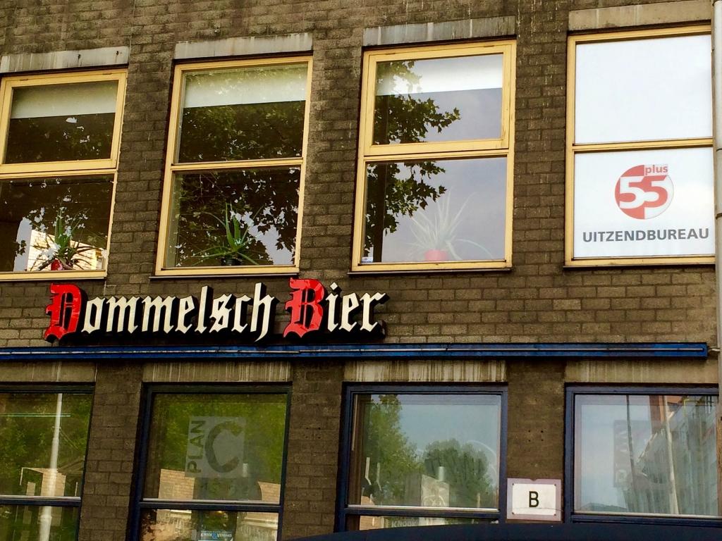 typography-rotterdam-dommelscht-bier