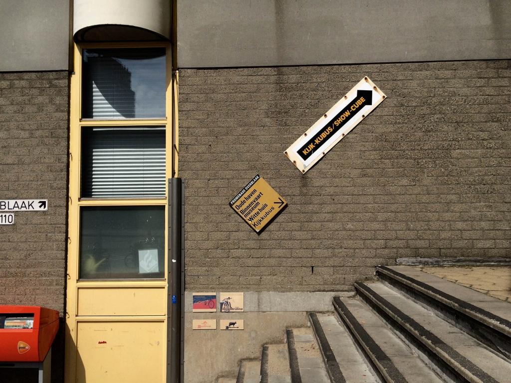 typography-rotterdam-kubuswoningen