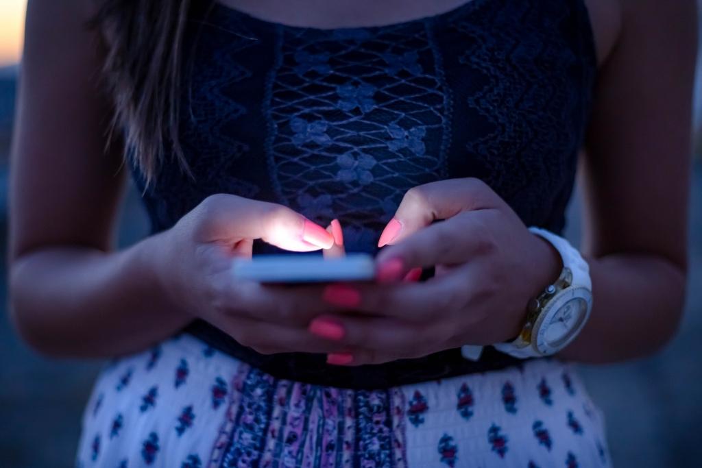 woman-using-social-media